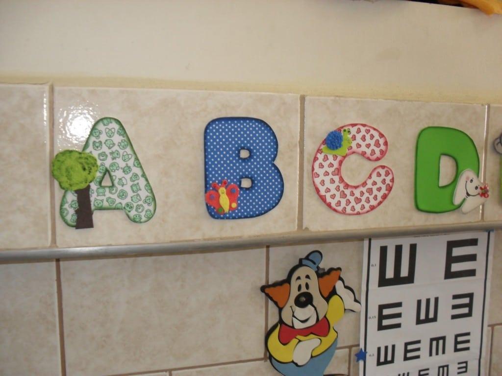 Brincando E Aprendendo Com O Alfabeto Ilustrado
