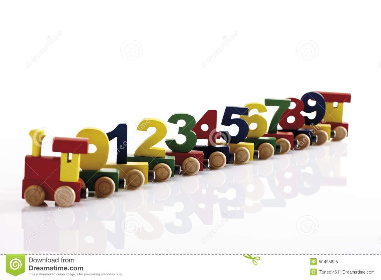 Trem De Madeira Colorido Do Brinquedo Com Figuras De Madeira
