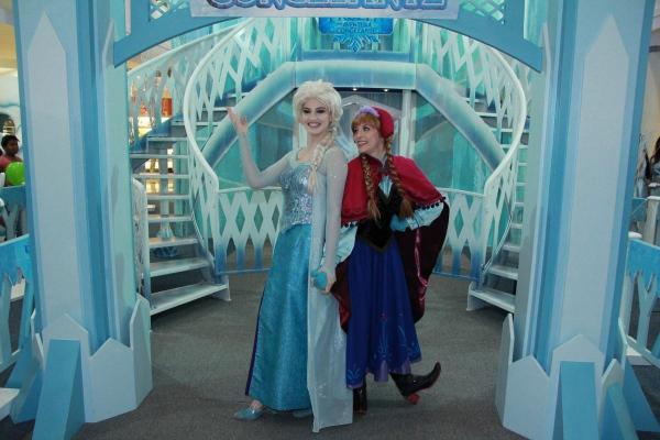 Depois Do Sucesso Na última Semana, Personagens De Frozen, Da